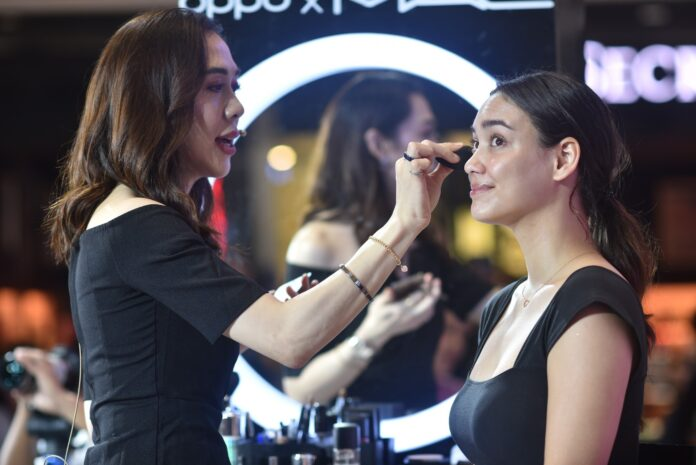 Aryanna Epperson's smile is extra cheeky with the look makeup artist RB Chanco created.